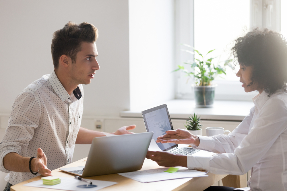 4 Tips for Dealing with Co-Workers Who Lie