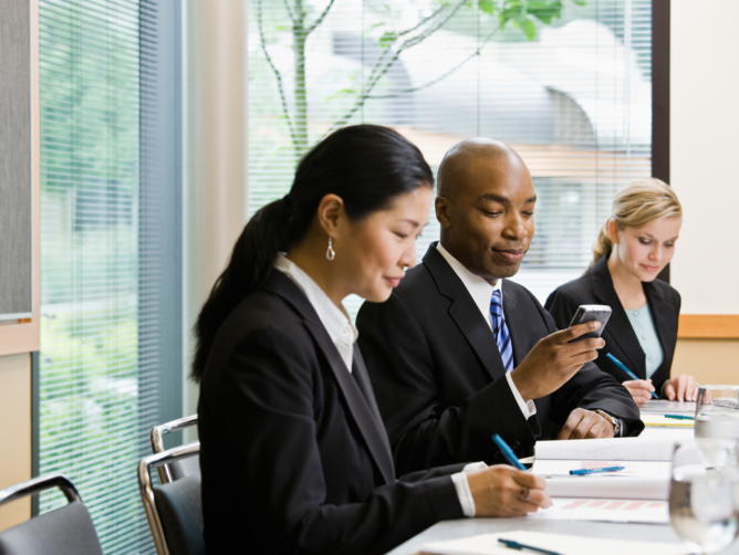 5 Ways To Increase Sales with Business Text Messages